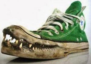 Tips Cara Menghilangkan Bau Sepatu yang Tidak Sedap
