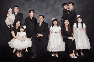 Gaya Foto Studio Keluarga Besar